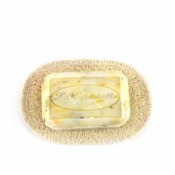 Porte savon oval lofa naturel avec savon œillet calendula La Cardabelle
