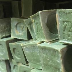 savons de Marseille 300 grammes à l'huile d'olive fait en France