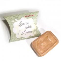 Savon au lait d'ânesse et huile essentielle de géranium La Cardabelle