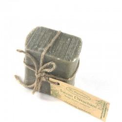 Savon détachant naturel La Cardabelle une façon écologique de détacher son linge